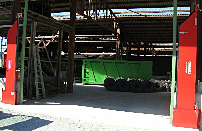 THOMAS  Manuelle Barriere Beidseitig Vertikal Drehbar